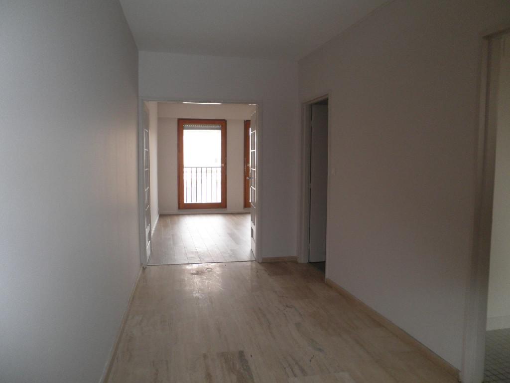 Location louer appartement de 5 pi ces morhange for Louer appartement agence