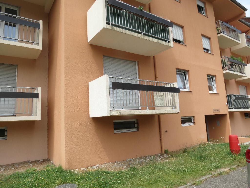 location louer appartement de 2 pi ces saint avold 57500 en moselle agence. Black Bedroom Furniture Sets. Home Design Ideas